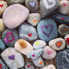 cropped-nono-love-rocks1.png